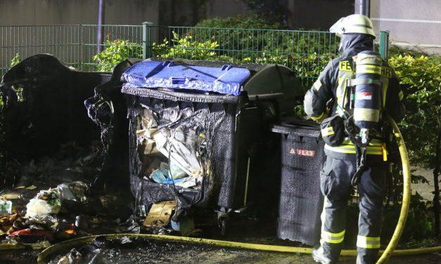 Polizei sucht Brandstifter